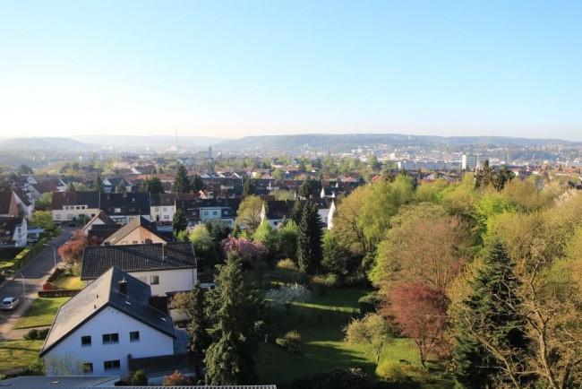 Blick vom Südflügel auf die Stadt und das Saartal